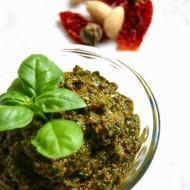 Pesto di basilico saporito (alla mia maniera)