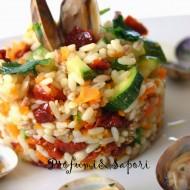 Insalata tiepida di cereali con verdure e vongole veraci