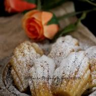Madeleine senza glutine con mele caramellate e uvetta