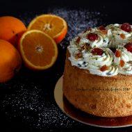 Chiffon cake all'arancia con crema di ricotta
