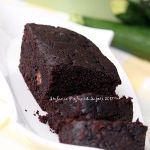 Torta al cioccolato con zucchine nell'impasto